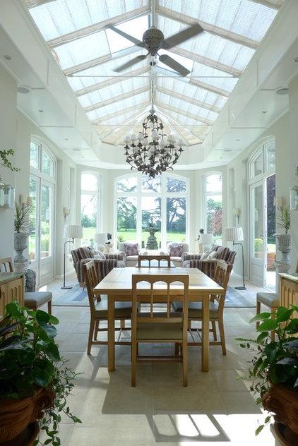 wer im glashaus sitzt hat einen wintergarten. Black Bedroom Furniture Sets. Home Design Ideas