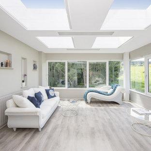 Idéer för funkis uterum, med takfönster