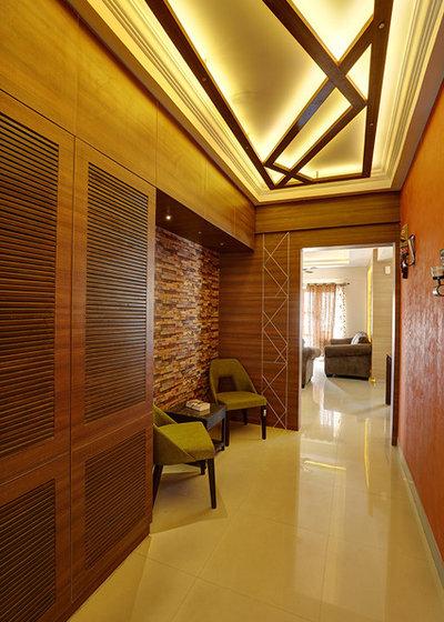 Modern Corridor by DESIGN BUILD INC