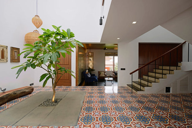 Contemporary Hall by Architecture + Design Ankit Prabhudessai