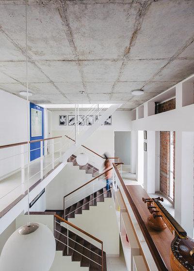 Contemporary Corridor by Gaurav Roy Choudhury Architects