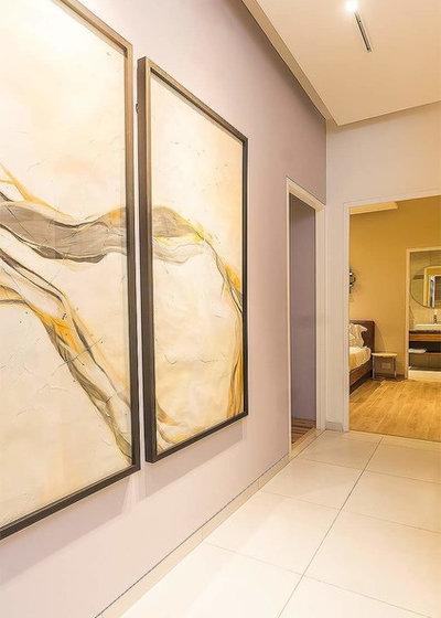 Contemporary Corridor by The svelte designs