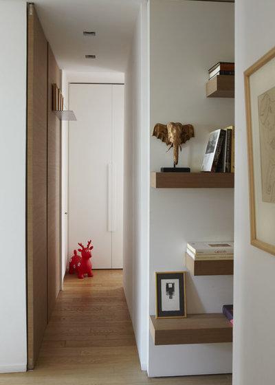 Scandinave Couloir by Bismut & Bismut Architectes