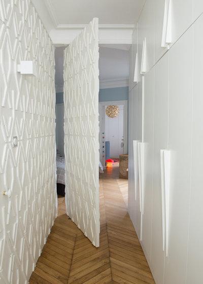 Contemporain Couloir by Fleury Atallah  architectes