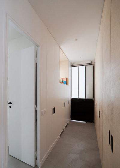 Industriel Couloir by atelier daaa