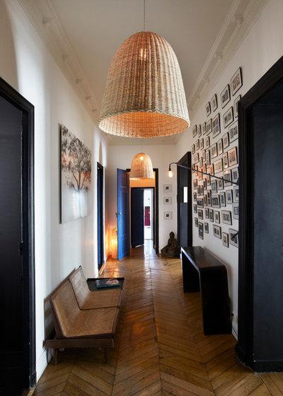 Modern Flur by Sarah Lavoine - Studio d'architecture d'intérieur