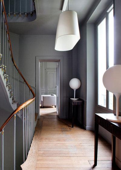 Contemporain Couloir by Pierre Jean Verger