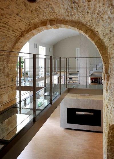 Éclectique Couloir by Volumes Architectures