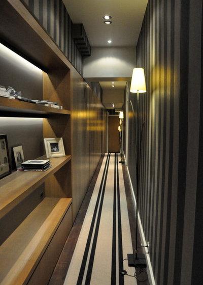 10 fa ons d 39 adopter la tendance rayures - Papier peint couloir long ...