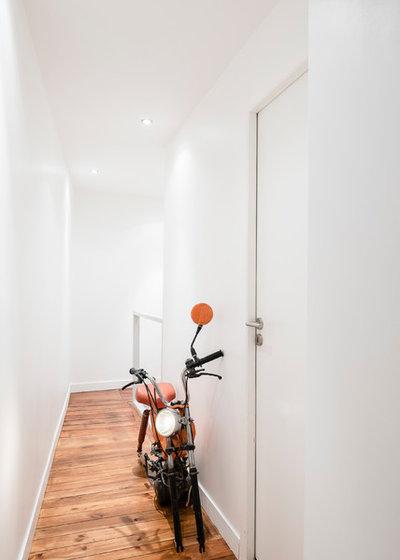 Moderne Couloir by Stanislas Ledoux