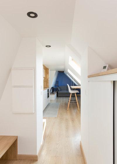 Contemporain Couloir by Mon Concept Habitation