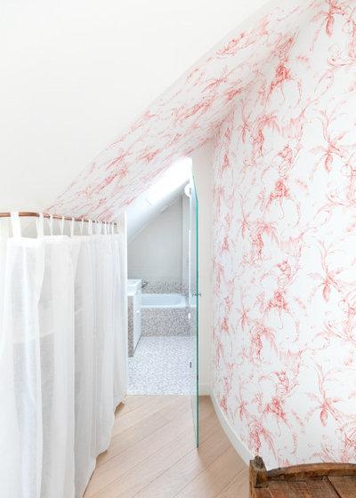 Classique Chic Couloir by Estelle GRIFFE