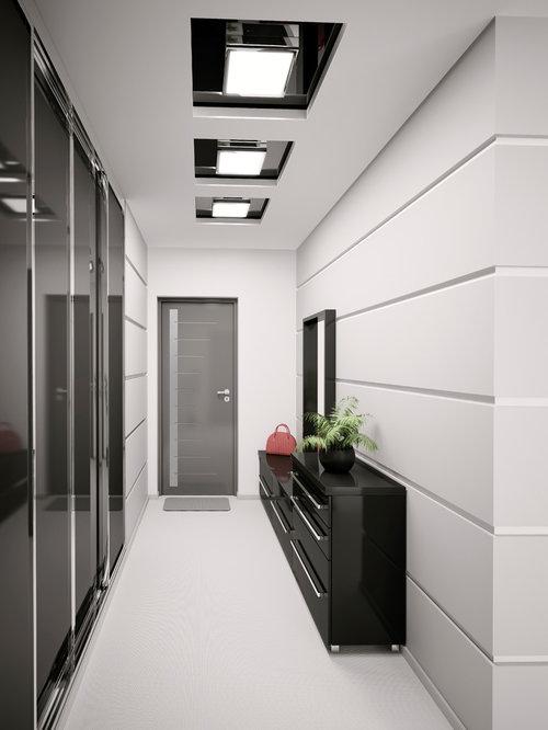 Photos et id es d co de couloirs modernes porte placard en bois - Decoration couloir moderne ...