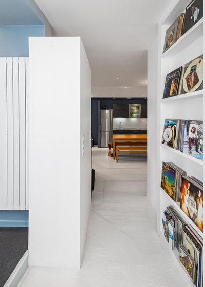 7 modi ingegnosi per esporre i quadri e creare gallerie d arte in casa. Black Bedroom Furniture Sets. Home Design Ideas