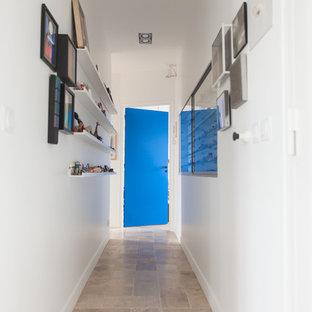 Example of a trendy hallway design in Paris