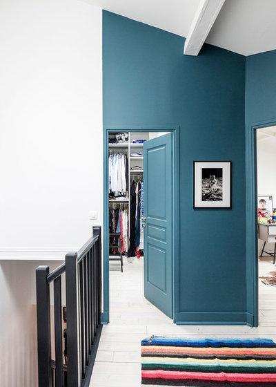 Moderne Couloir by Olivier Stadler Architecte