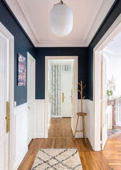 Contemporary Hallway & Landing by Mon Concept Habitation   Paris, Lille, London