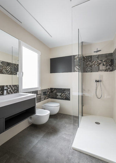 Contemporary Bathroom by Germán Cabo · Fotografía de arquitectura
