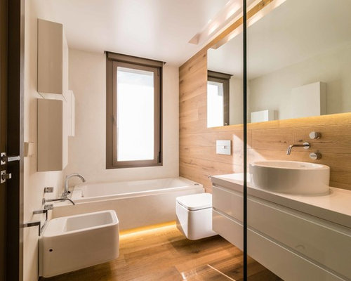 68 bath with a bidet and multicolored walls design ideas for Fenetre dans douche