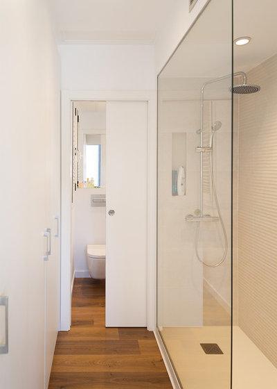 Contemporáneo Cuarto de baño by GokoStudio