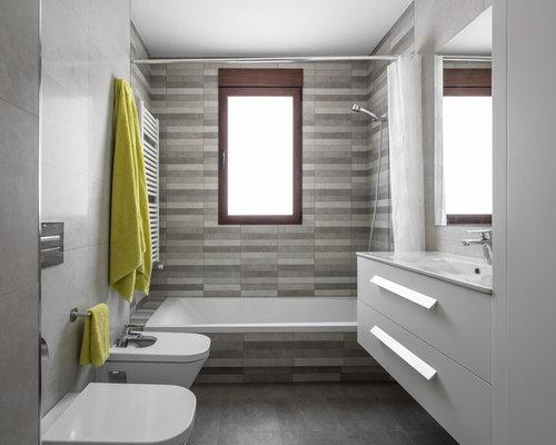 Salle de bain avec un lavabo intégré Espagne : Photos et idées ...