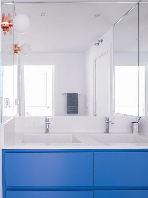 badezimmer mit verzierten schr nken und bambusparkett ideen design bilder houzz. Black Bedroom Furniture Sets. Home Design Ideas