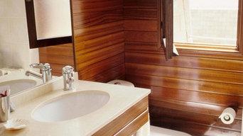 Cuarto de baño en madera y gres