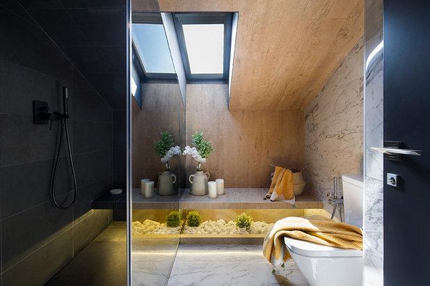 Contemporary Bathroom by Egue y Seta