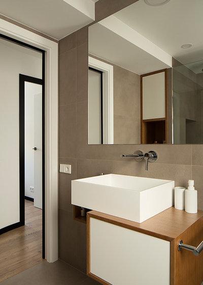 Moderno Cuarto de baño by osb arquitectos
