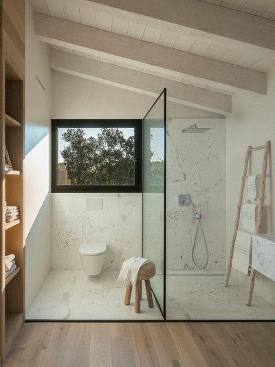 Contemporary Bathroom by Susanna Cots