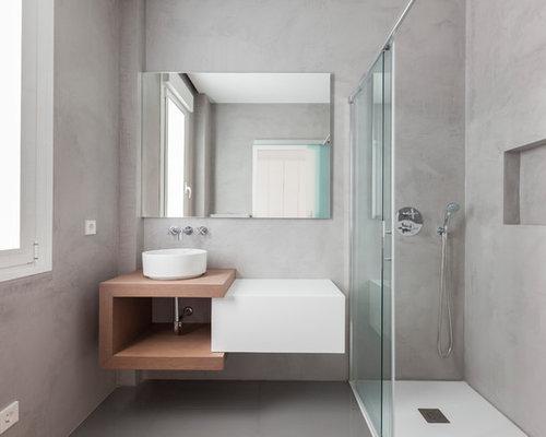 Fotos de baños | Diseños de baños modernos con puertas de armario ...
