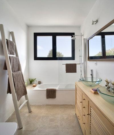 20 id es d co pour accessoiriser sa salle de bains avec une chelle. Black Bedroom Furniture Sets. Home Design Ideas