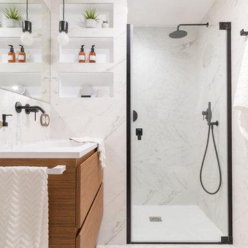 Reforma de baño blanco&negro en Logroño