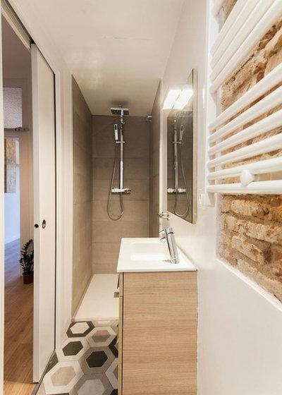 Nórdico Cuarto de baño by Silvia R. Mallafré