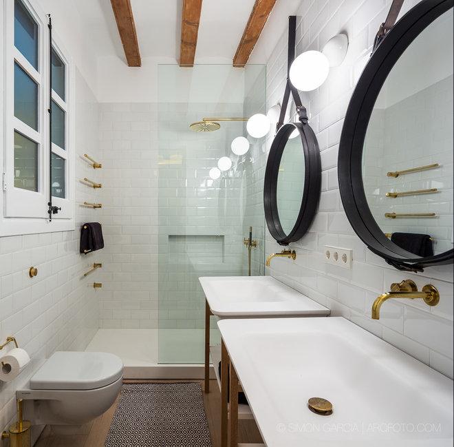 Clásico renovado Cuarto de baño by Simón García Asensio