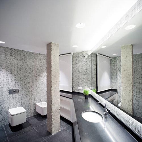 photos et id es d co de wc et toilettes avec carrelage en mosa que et un bidet. Black Bedroom Furniture Sets. Home Design Ideas