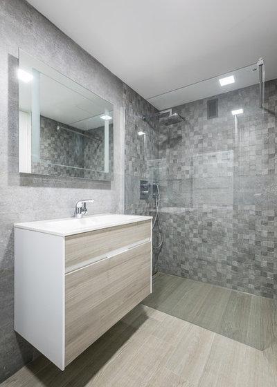 Contemporáneo Cuarto de baño by LLIBERÓS SALVADOR Arquitectos
