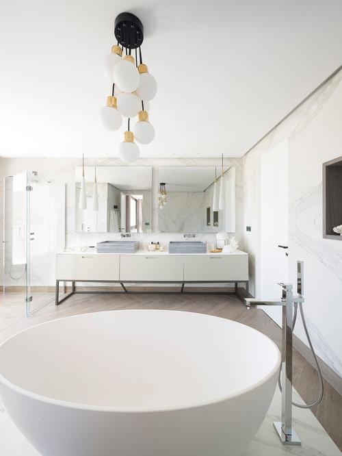 Très grande salle de bain Espagne : Photos et idées déco de salles ...