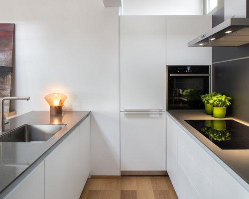 Cucina bianca con top grigio foto e idee houzz - Top cucina grigio ...
