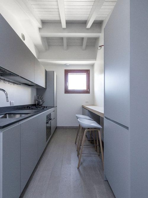 Houzz idee per la casa arredamento e interior design for Arredare una cucina lunga e stretta
