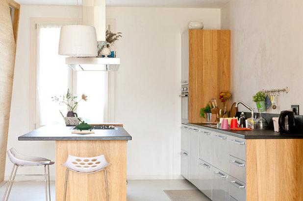 Gli sgabelli alti per il bancone bar della cucina
