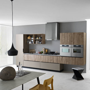 Modern kitchen ideas - Inspiration for a modern kitchen remodel in Venice
