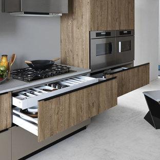 Modern kitchen designs - Minimalist kitchen photo in Venice