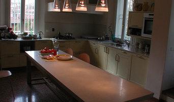 Arredo Cucina con top e Tavolo in Biancone