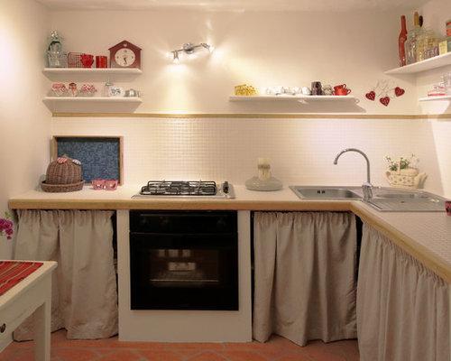 Cuisine Moderne Avec Un Plan De Travail En Carrelage  Photos Et