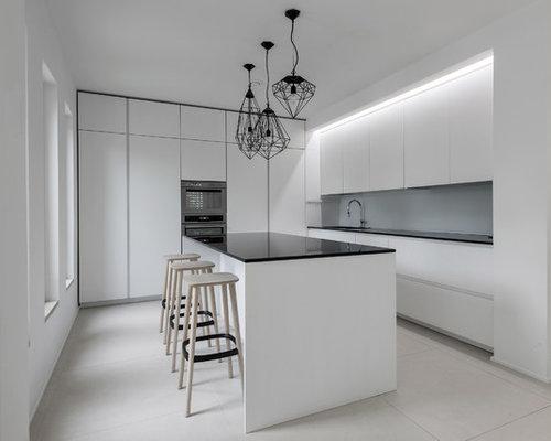 Cucina bianca con top nero foto e idee houzz - Cucina bianca top nero ...