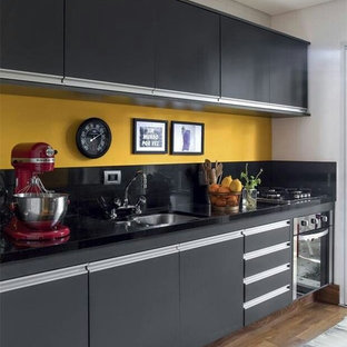 Black/Yellow Kitchen