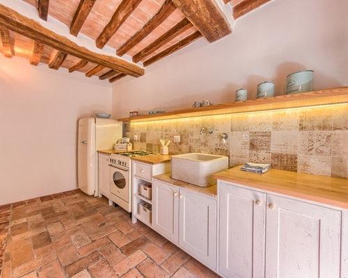 Cucina con pavimento in terracotta altro foto e idee per