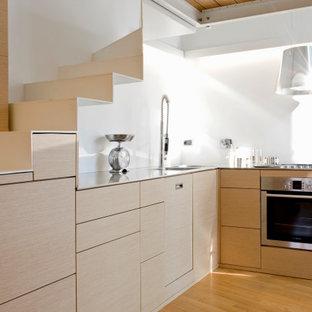 Ispirazione per una cucina design