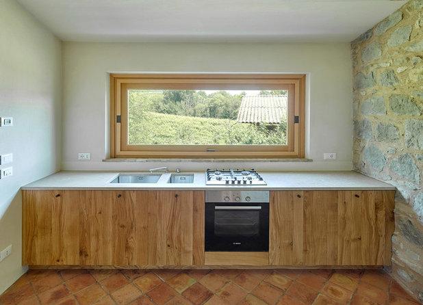 In Montagna Cucina by Massimo Galeotti Architetto